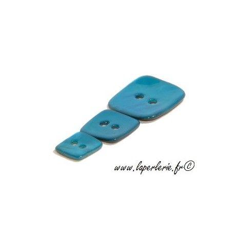 Bouton de nacre carré diam.15  BLUE ZIRCON