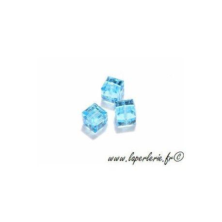 Cube 5601 6mm AQUAMARINE