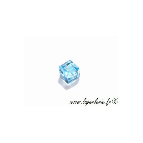 Cube 5601 8mm AQUAMARINE