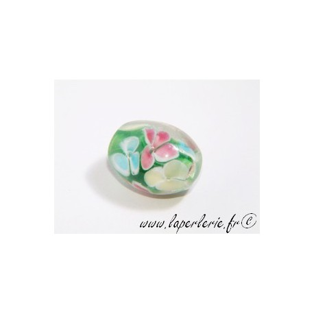 Olive inclusion 3 fleurs 16mm VERT