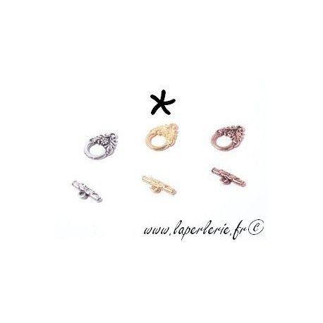 Fermoir barre + anneau feuillage DORE