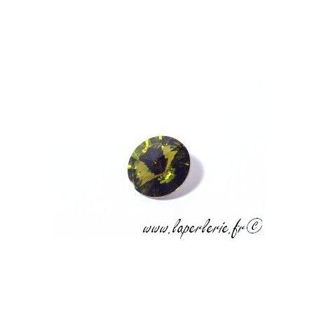 Round cabochon 1122 14mm (Rivoli) OLIVINE