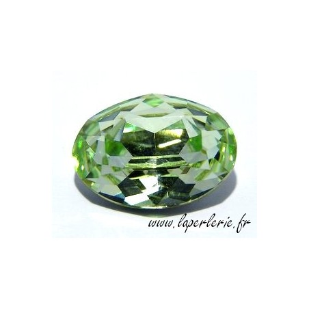 Oval cabochon 4120 18X13mm CHRYSOLITE
