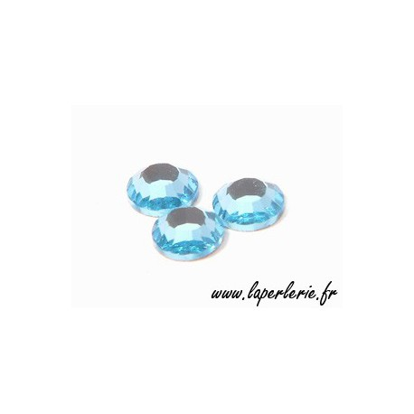 Strass à coller 6 mm AQUAMARINE x8