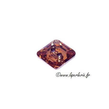 Square button 3017 14mm LIGHT COLORADO TOPAZ